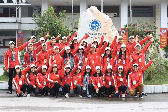 "The club Propagation – Movement of Blood Donation, Vinh University, has carried out the programme ""Warming mountain villages 2016"" in Que Phong District"
