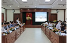 Mr. Nguyen Xuan Duong – Chairman of Nghe An Provincial People's Committee worked with Vinh University